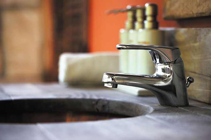 A2B Plumbers are able to fix any leaking taps you may have in Hither Green.